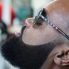 Curvey Full Beard style for black men