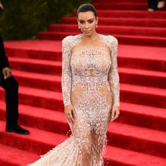 The Most Revealing Red Carpet Dressing That Will Shock You photos) Kim Kardashian, Expecting Twins, Celebrity Moms, Red Carpet Dresses, Jennifer Lopez, Formal Dresses, Wedding Dresses, Kendall Jenner, Dressing