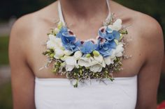 InDeco_fresh_flowers_necklace_justinas_rimeikis_photography