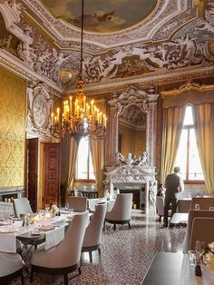 Aman Venice Hotel is a Wedding Venue in Venezia, Veneto, Italy. See photos and contact Aman Venice Hotel for a tour. Italian Furniture Brands, Classic Furniture, Space Australia, Murano Chandelier, Timber Panelling, Leather Wall, Summer Palace, Luxury Spa, Hotel Suites