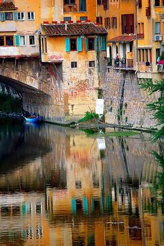 Ponte Vecchio, Florence, Italy. I want to go back here. Such a beautiful place.