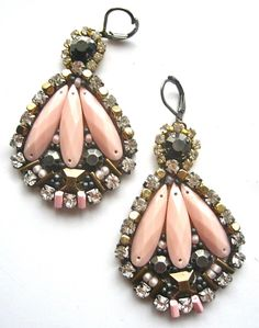 PEONY PETALS beaded earrings in light pink, gunmetal and brass