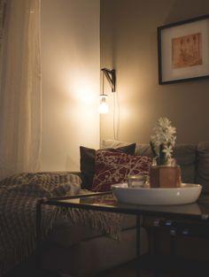 DIY reading light Glass Jars, Lifestyle Blog, Diy Ideas, Ikea, Wall Lights, Reading, Home Decor, Glass Pitchers, Appliques