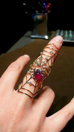 Staurino ring