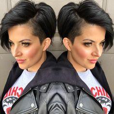 Melanie Astill on In Pixie Bob Haircut, Haircut For Thick Hair, Bobs For Thin Hair, Pixie Haircuts, Pixie Hairstyles, Vintage Hairstyles, Shaved Side Hairstyles, Undercut Hairstyles, Undercut Bob
