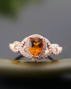 chic rose gold citrine cocktail ring