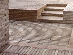 Single material ground cover. Haus Solln by Unterlandstättner Architekten.