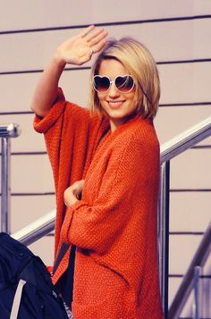 Love this oversized sweater! And orange too!
