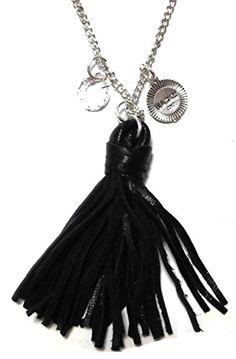 CAT HAMMILL ( キャットハミル ) オーストラリア の シンプル ブラック ネックレス Leather special necklace black レザー タッセル シルバー  ペンダント ポーチ セット 海外 ブランド CAT HAMMILL http://www.amazon.co.jp/dp/B013QTRYCI/ref=cm_sw_r_pi_dp_DbFYvb18JPKS1