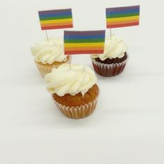 Celebrate Pride with these rainbow flag edible toppers! Rainbow Flag, Fun Cupcakes, Delicious Food, Pride, Desserts, Cool Cupcakes, Tailgate Desserts, Deserts, Funny Cupcakes