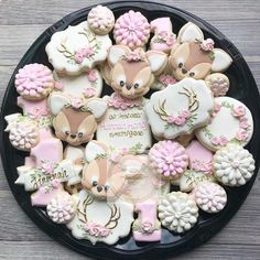 New Baby Shower Cookies Deer Party Ideas 33 Ideas Baby Shower Treats, Baby Girl Shower Themes, Baby Shower Cookies, Baby Cookies, 1st Birthday Party For Girls, Baby Birthday, Birthday Ideas, Bambi Baby, Deer Baby Showers