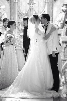 #longveil #lacedveil #ballgown #whitesmokingjacket #cathedralwedding