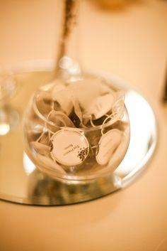 DIY wedding bonbonniere - personalised teabags in fishbowl vase. McKay photography Sydney