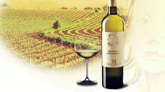 """http://www.calagusto.com/prodotto/donnagiovannacruigtcalabria/ E' arrivato il pluripremiato Vino Cru Bianco della Tenuta Iuzzolini DONNA GIOVANNA: """"Dentro ogni bottiglia non solo il nettare dell'uva ma anche e sopratutto la passione e l'amore per la propria mamma. Dedicato a lei. Questa è la ricetta magica per fare un buon vino."""" Scoprilo insieme agli altri vini di questa splendida cantina Tenuta Iuzzolini"""