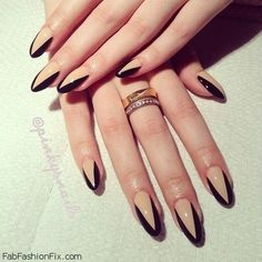 For those who like delicate nail design, Stiletto Nails are becoming a trend! More and more women choose this Stiletto Nail Designs! As far as nail art is concerned, stiletto style nails is a good reflection. Nail Art Designs, Nails Design, Triangle Nail Art, Nagel Gel, Super Nails, Fabulous Nails, Almond Nails, Stiletto Nails, Pointed Nails
