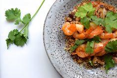 Skinny Six: Quinoa met garnalenspiesjes. Zo heerlijk, een diner waarvan je niet in de gaten hebt dat het maar zes ingrediënten bevat! #healthy #skinny #supersnel #vis