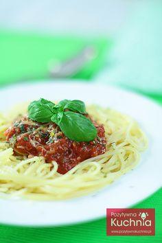 #spaghetti napoli czyli #makaron z sosem neapolitańskim - przepis na pastę Napoli z sosem pomidorowym i ziołami  http://pozytywnakuchnia.pl/spaghetti-napoli/  #kuchnia #pasta #obiad