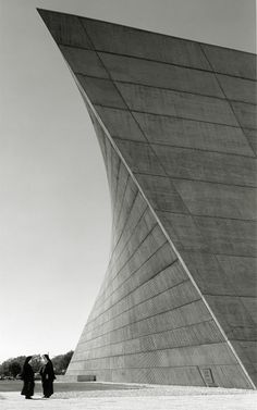 so you want to cast a hyperbolic paraboloid in concrete, huh?