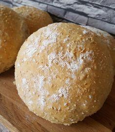 Lapsuudenystäväni oli tehnyt niin hyvää leipää, että oli ihan pakko kokeilla itsekkin. Tätä tosiaankin kannattaa kokeilla....