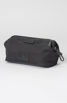 Striga Men's Toiletry Bag Rear View