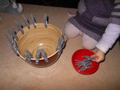 Pédagogie Montessori : avec des pinces à linge ! | Bout de chou en éveil