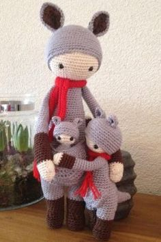 Kira the kangaroo made by Inge M. / crochet pattern by lalylala by patrica Crochet Teddy, Crochet Patterns Amigurumi, Cute Crochet, Amigurumi Doll, Crochet For Kids, Crochet Crafts, Crochet Projects, Knitted Dolls, Crochet Dolls