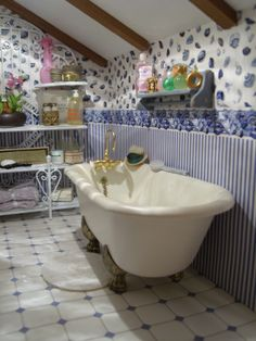 Don't like this bathroom it's to dated. But I think I could do a similar tub and make it more modern.