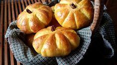 Mennonite Girls Can Cook: Pumpkin Dinner Rolls