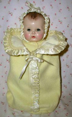 Tiny Tears looks cozy inside. Doll Toys, Baby Dolls, Tiny Tears Doll, Effanbee Dolls, China Dolls, Vinyl Dolls, Alexander Dolls, Old Dolls, Hello Dolly