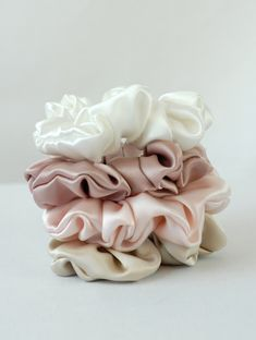 Pure Silk Hair Scrunchies, Set of Soft Tones Silk Charmeuse, Small, Regular, and Large Sizes Be kind to your hair! These scrunchies are perfect for gently holding your hair back. They will not break your hair like traditional scrunchies or rubber Accessoires Iphone, Accesorios Casual, Silk Hair, Silk Charmeuse, Hair Jewelry, Silver Jewelry, Pure Silk, Hair Ties, Girly Things