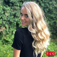 Jinger showing off her brand new hair color Jinger Duggar, Jeremy Vuolo, Dugger Family, 19 Kids And Counting, Bates Family, New Hair Colors, Gorgeous Women, Long Hair Styles, People