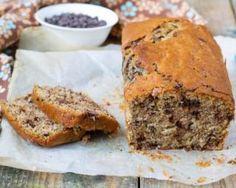 Cake minceur aux bananes et pépites de chocolat : http://www.fourchette-et-bikini.fr/recettes/recettes-minceur/cake-minceur-aux-bananes-et-pepites-de-chocolat.html