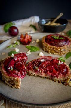 Tarte aux Prunes (Vegan)/Plum's Pie (Vegan) Plum Pie, Vegan Challenge, Bruschetta, Sandwiches, Ethnic Recipes, Desserts, Food, Tailgate Desserts, Deserts
