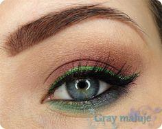 Green on Maroon? Yep! by Gray on Makeup Geek