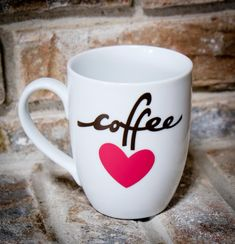 Easy Coffee Love Mug made with your Cricut!
