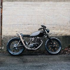 """491 Likes, 3 Comments - Gasoline Dreams (@gasoline.dreams) on Instagram: """"From @relicmotorcycles - SR500 #relicmotorcycles #sr500 #yamahacaferacers #caferacersofinstagram…"""""""