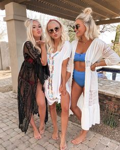 Pool day with the girls 🖤 Super thankful for these friendships! Today was HOT like & I am living for it ☀️ Looks like I've been in the… Pool Day Outfits, Summer Outfits, Lake Outfits, Party Outfits, Summer Wear, Trendy Outfits, Swimming Outfit, Trendy Swimwear, Cute Bathing Suits
