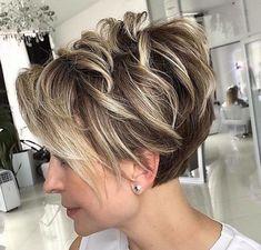 Pixie Cut With Bangs, Blonde Pixie Cuts, Short Hair With Layers, Short Hair Cuts For Women, Short Stacked Hair, Short Choppy Hair, Curly Pixie Hairstyles, Haircuts For Fine Hair, Short Pixie Haircuts