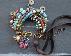 Boho armband etnische Tribal armband Hippie door BeadStonenSkin