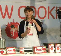 La bravissima #chef Monica Bianchessi durante lo #showcooking con i prodotti Pomì...ovviamente a #Golosaria!