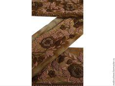 Купить или заказать №129 Антикварное кружево ручная вышивка в интернет-магазине на Ярмарке Мастеров. Зардози — одежда богов Наиболее роскошной и богатой, но, тем не менее, очень трудоемкой является индийская вышивка в технике Zardosi. Эта вышивка интересна тем, что вместо шелковых и обычных нитей используется золотая или серебреная мета…