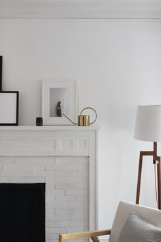 Plascon House tour: Monochromatic Living Home decor room interior design Fireclay Tile, Clutter Free Home, Farmhouse Side Table, Cute Dorm Rooms, Free Interior Design, Fireplace Design, Fireplace Mantle, Fireplace Ideas, Minimalist Home