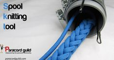 Build a DIY paracord spool knitting tool Paracord Knife, 550 Paracord, Paracord Bracelets, Survival Bracelets, How To Make Lanyards, Paracord Projects, Paracord Ideas, Diy Projects, Paracord Tutorial