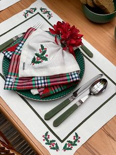 Napkins, Table Decorations, Kitchen Playsets, Embroidery Hoop Crafts, Table Scapes, Placemat, Xmas, Mesas, Dressmaking