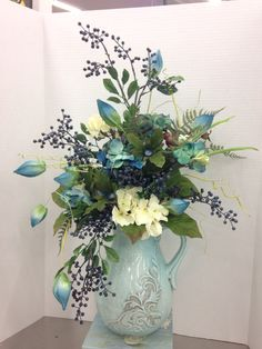 Contemporary Flower Arrangements, Spring Flower Arrangements, Artificial Floral Arrangements, Vase Arrangements, Beautiful Flower Arrangements, Floral Centerpieces, Silk Flowers, Beautiful Flowers, Yellow Flowers