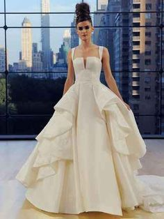 Ines Di Santo Fall 2018: New York City-Inspired Glamour  | TheKnot.com