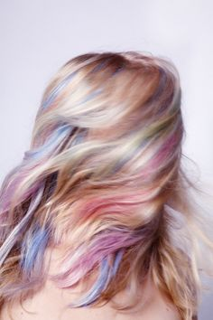 Rock a pastel rainbow hair on Easter! #pastelhair #rainbowhead #hairchalk
