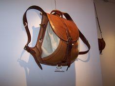 100_6208 | by Országos Mezőgazdasági Könyvtár, Budapest Duffle Bag Patterns, Mode Steampunk, Leather Projects, Leather Purses, Leather Bags, Leather Design, Canvas Leather, Leather Working, Luggage Bags