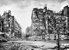 Immeuble de la rue Royale détruits lors de l'attaque de la barricade, le 23 mai 1871.