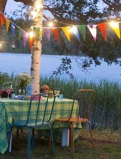 Hyvää juhannusta! Happy Midsummer! *** Maukas menu kesäiltaan - poimi herkulliset reseptit! – Ruoka.fi Summer Solstice, Homeland, Holiday Parties, Finland, Summertime, Anna, Patio, Entertaining, Mood
